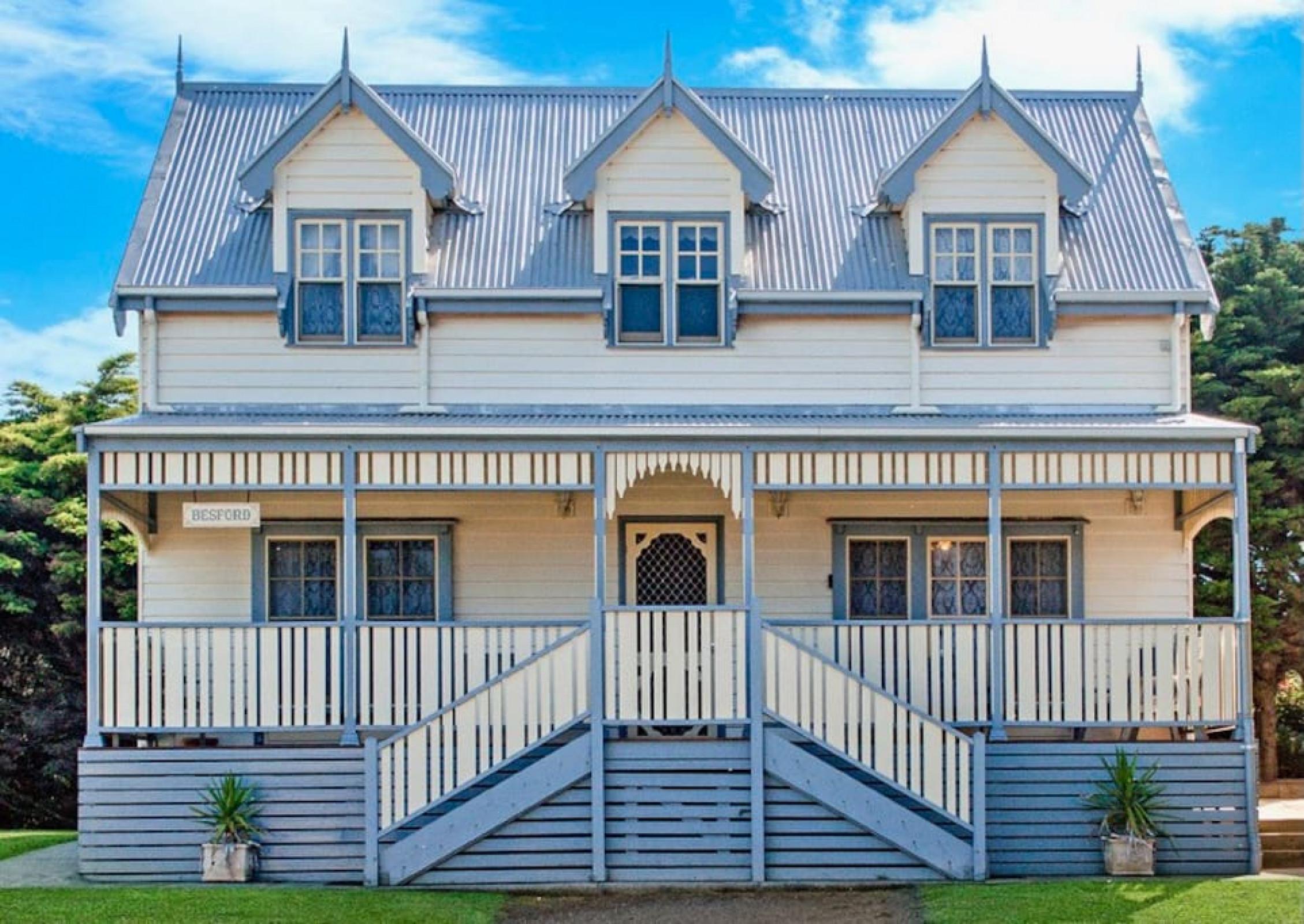 Sails - Elegant, spacious beach villa