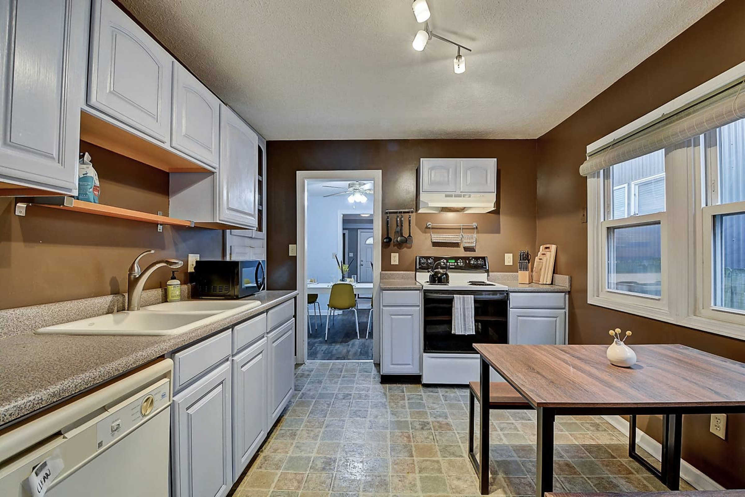 Amazing 3BR/2BA home! Steps to Fountain Square!