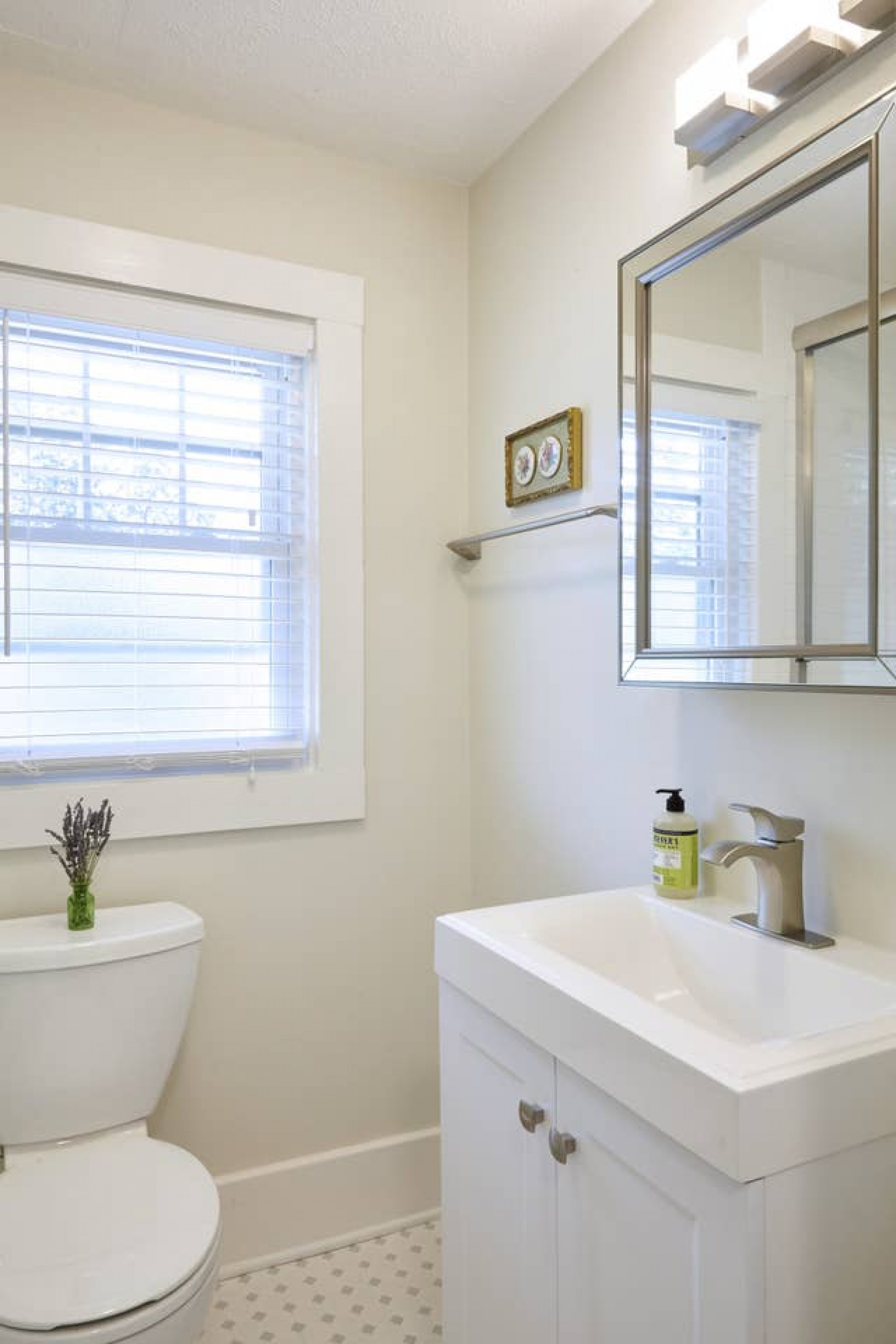 Beautiful 5BR! Close to Downtown! Prime Location!
