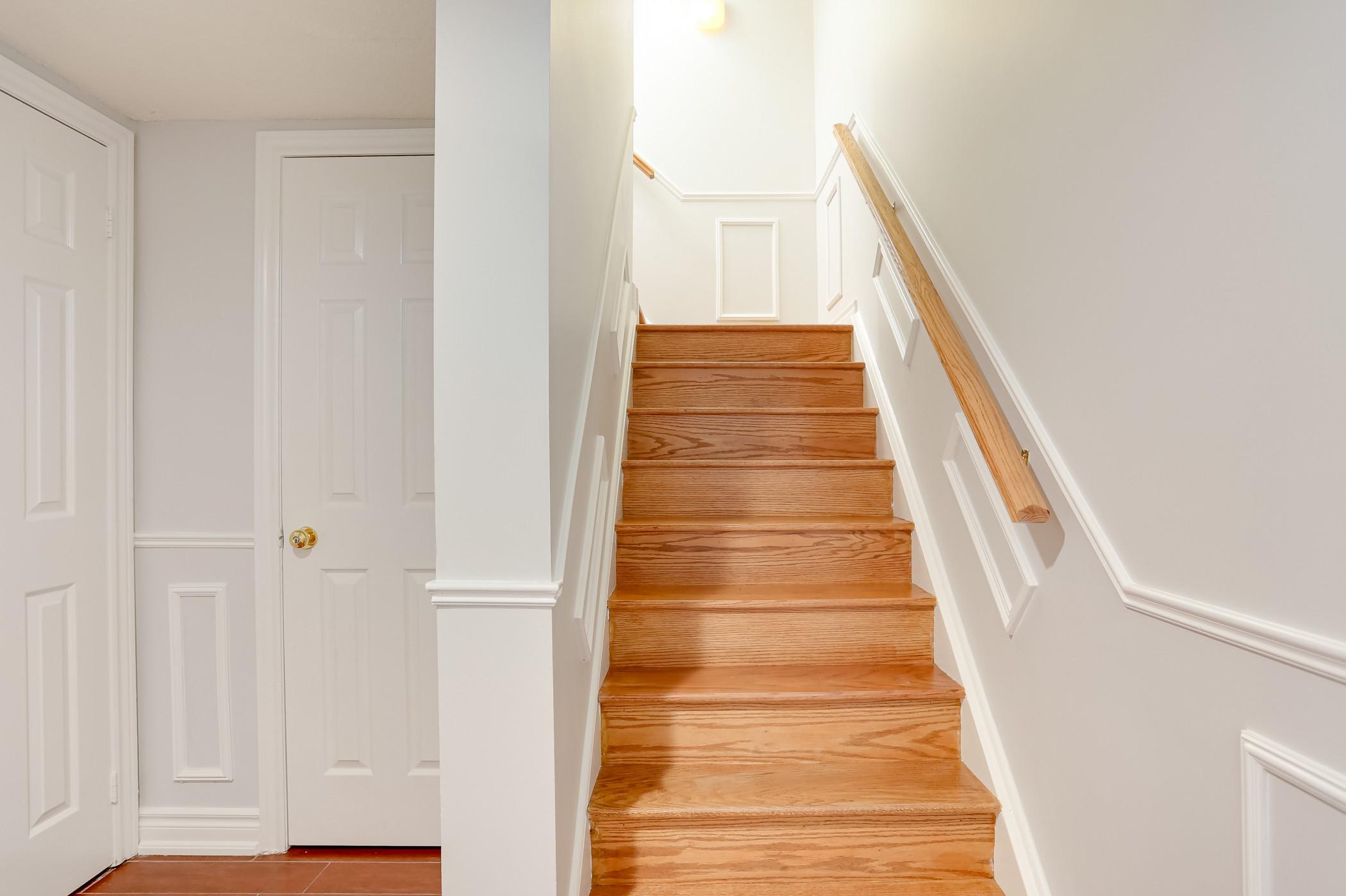 3 Bedroom Steps to Village  (64548)