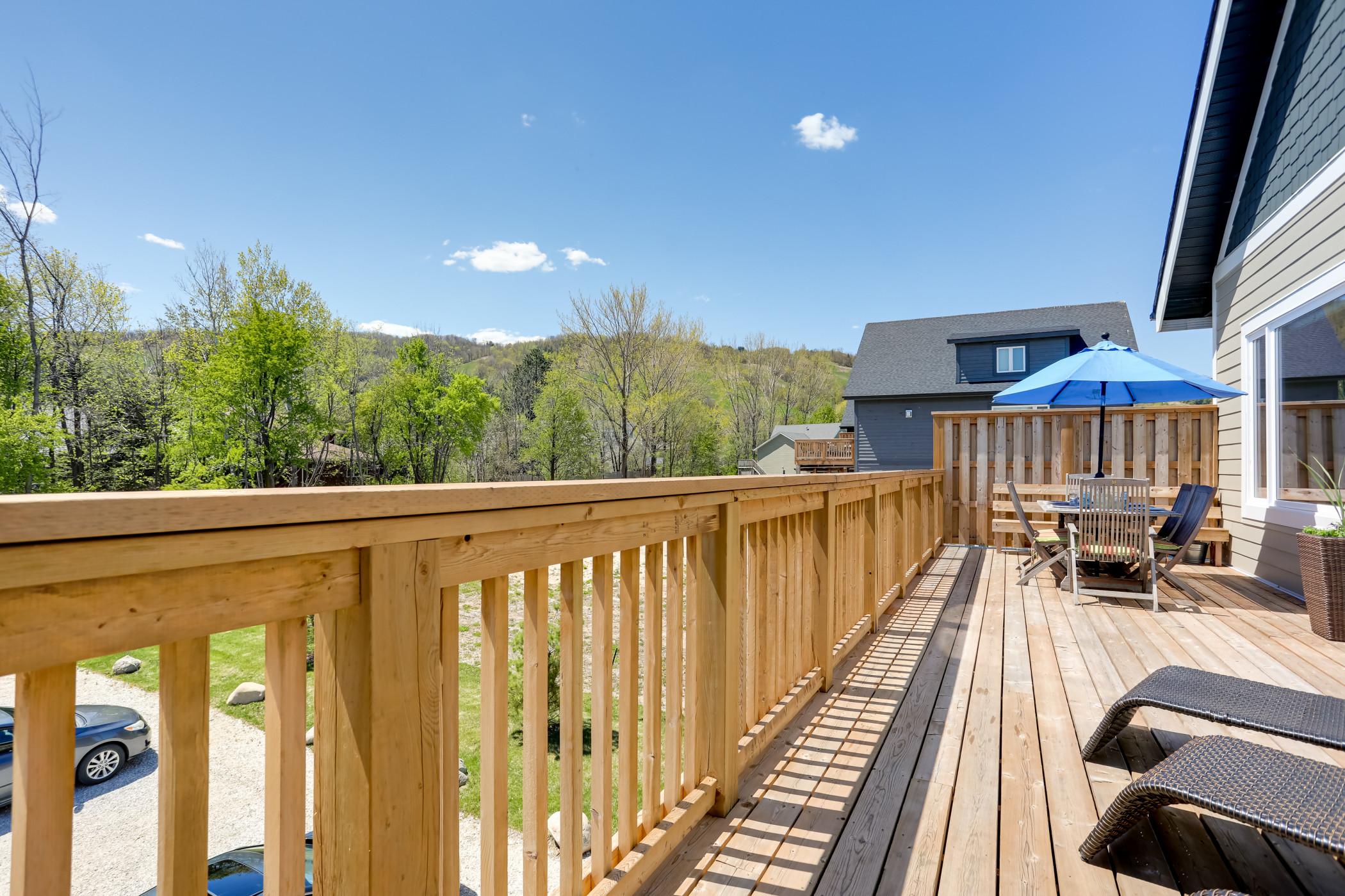 Luxury Mountain Retreat w private hot tub (82958)