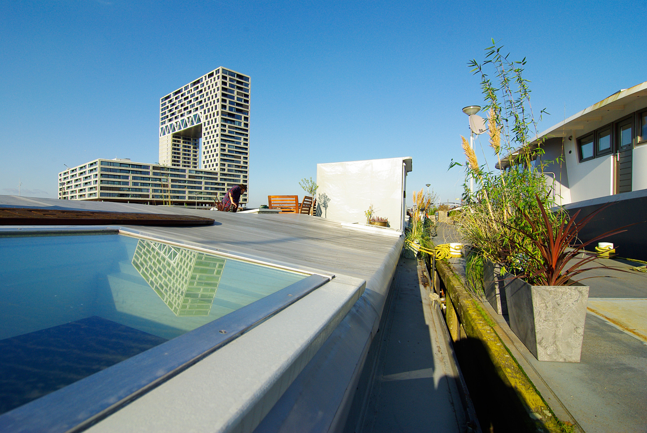 Central & Modern Eco-houseboat at the IJ water