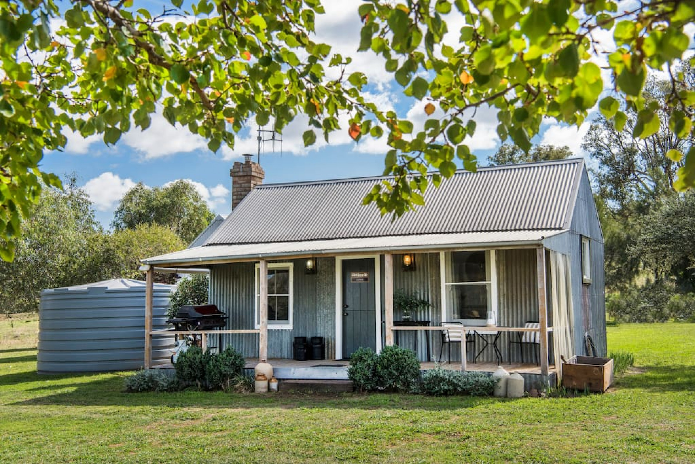 Farm Stay · Odd Frog Lodges - The Cottage