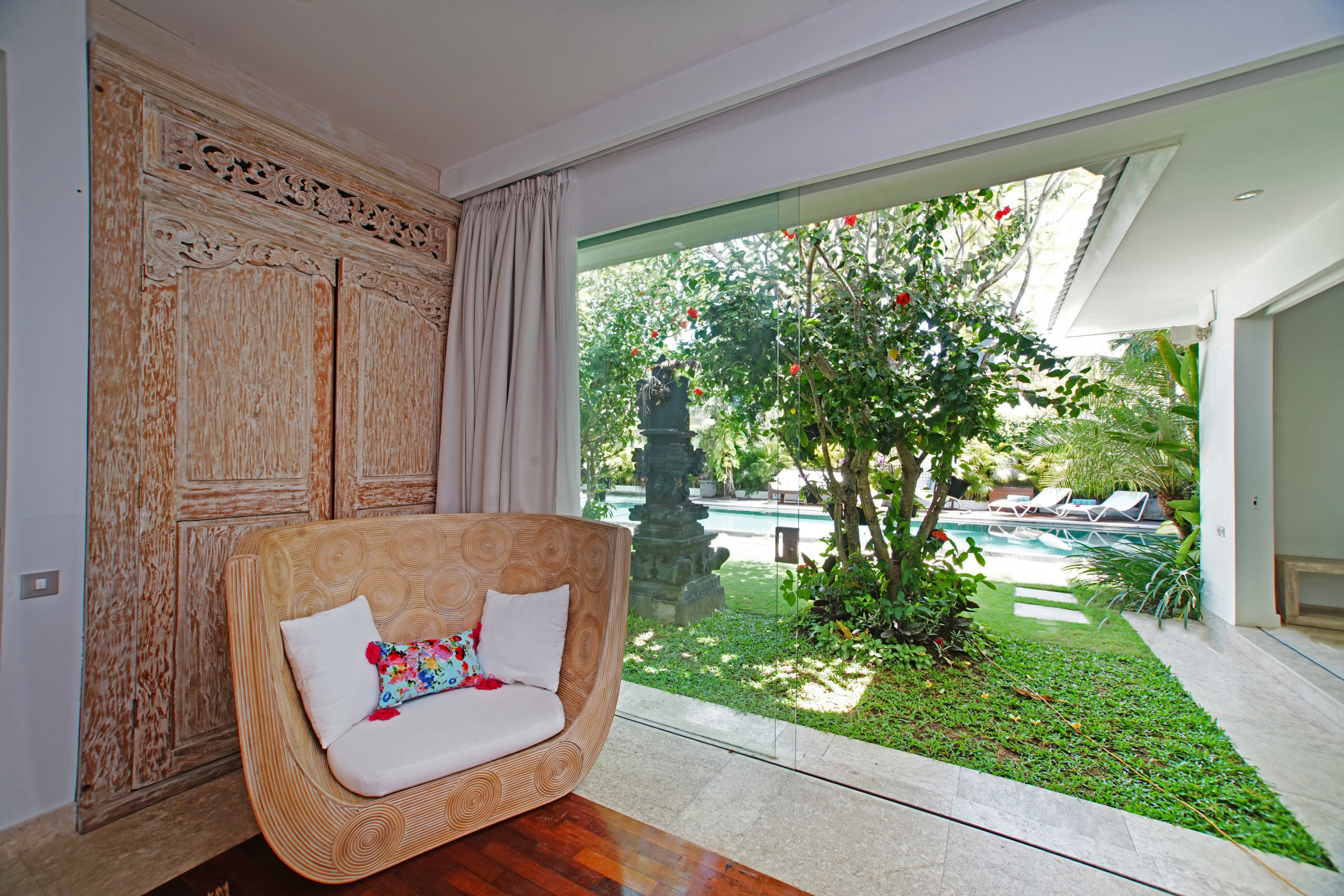 Villa JUMAH - Comfortable Home, Walk To BERAWA BEACH, Quiet Area