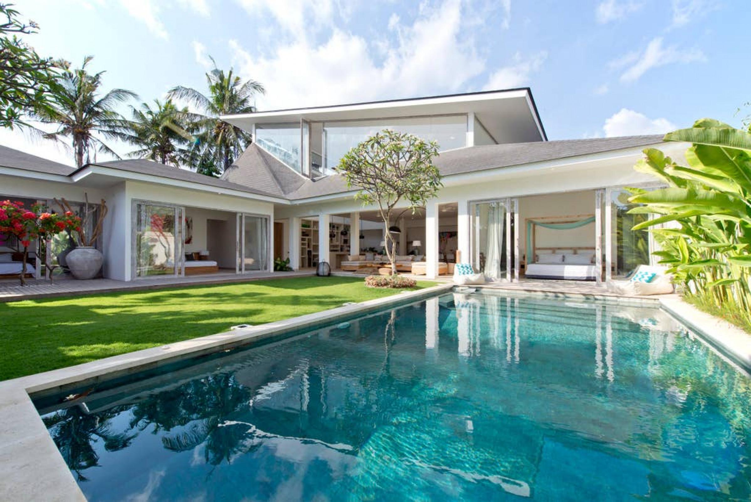 MVillas Bali | Villa MOMENTAI - Spacious Cool Villa | Walk to Beach