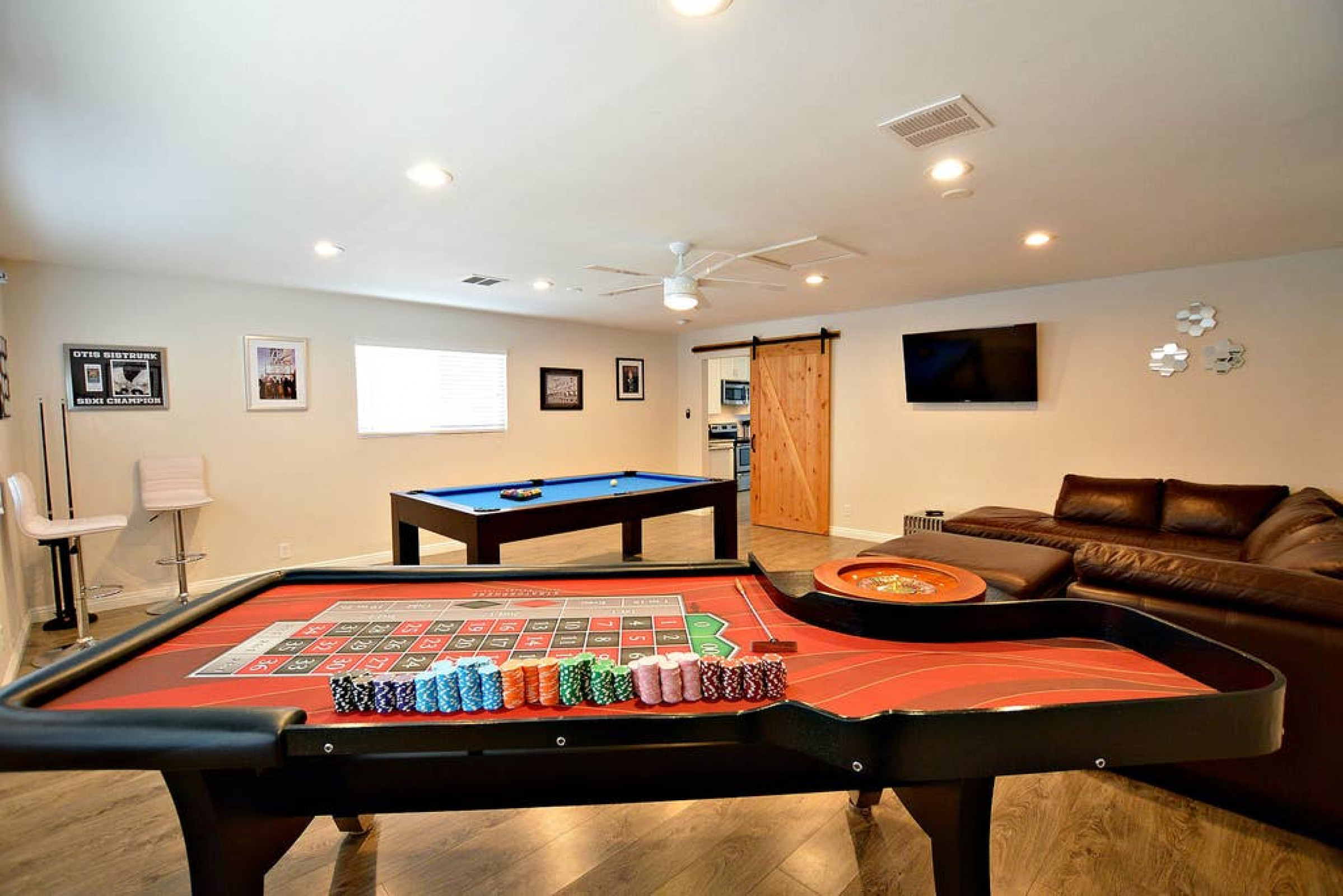 NV1509 · Licensed! Close to Strip! Pool,Spa,Roulette Table!