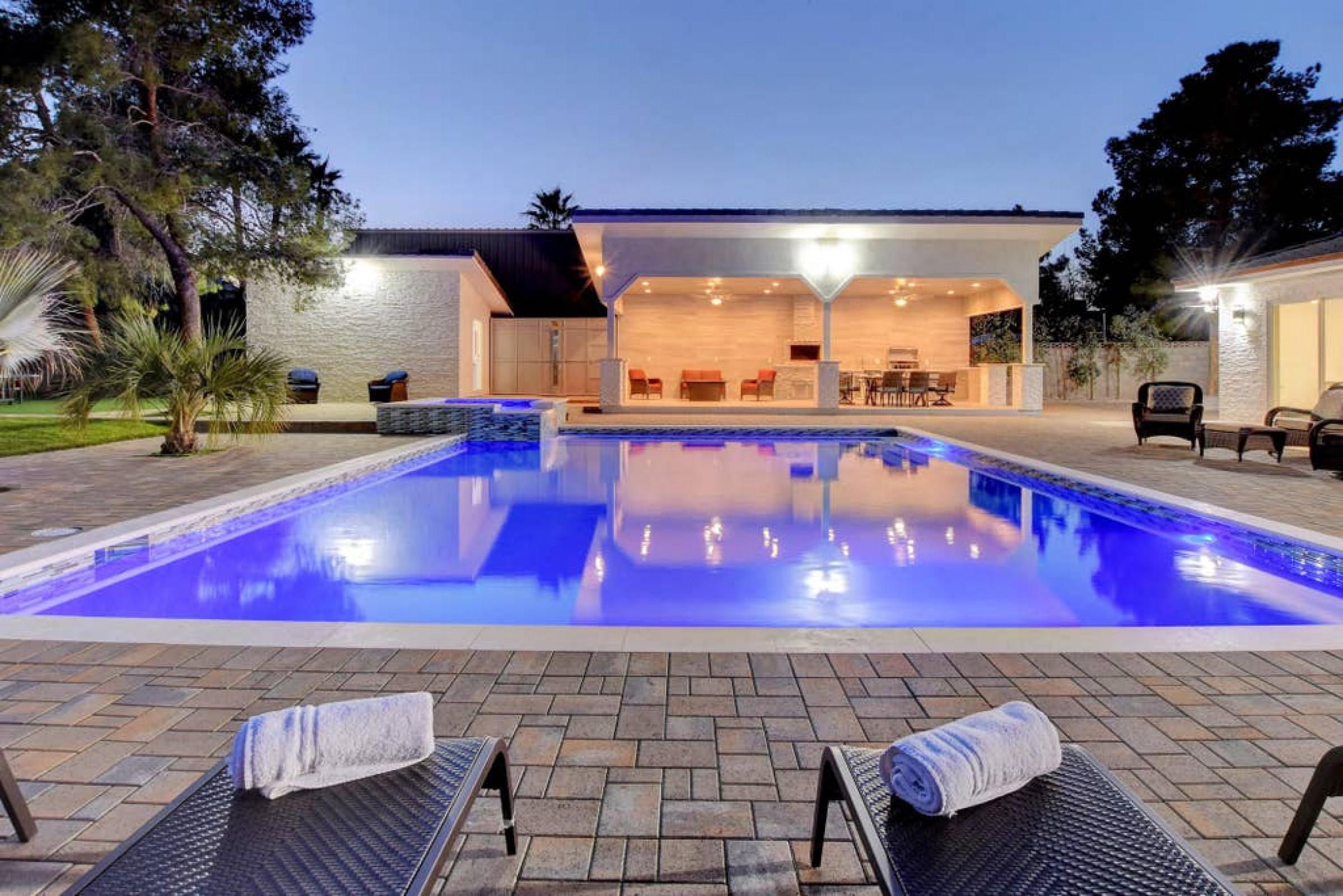 NV6965 · Luxury Living! Pool, Spa, Steam Sauna, Game room!