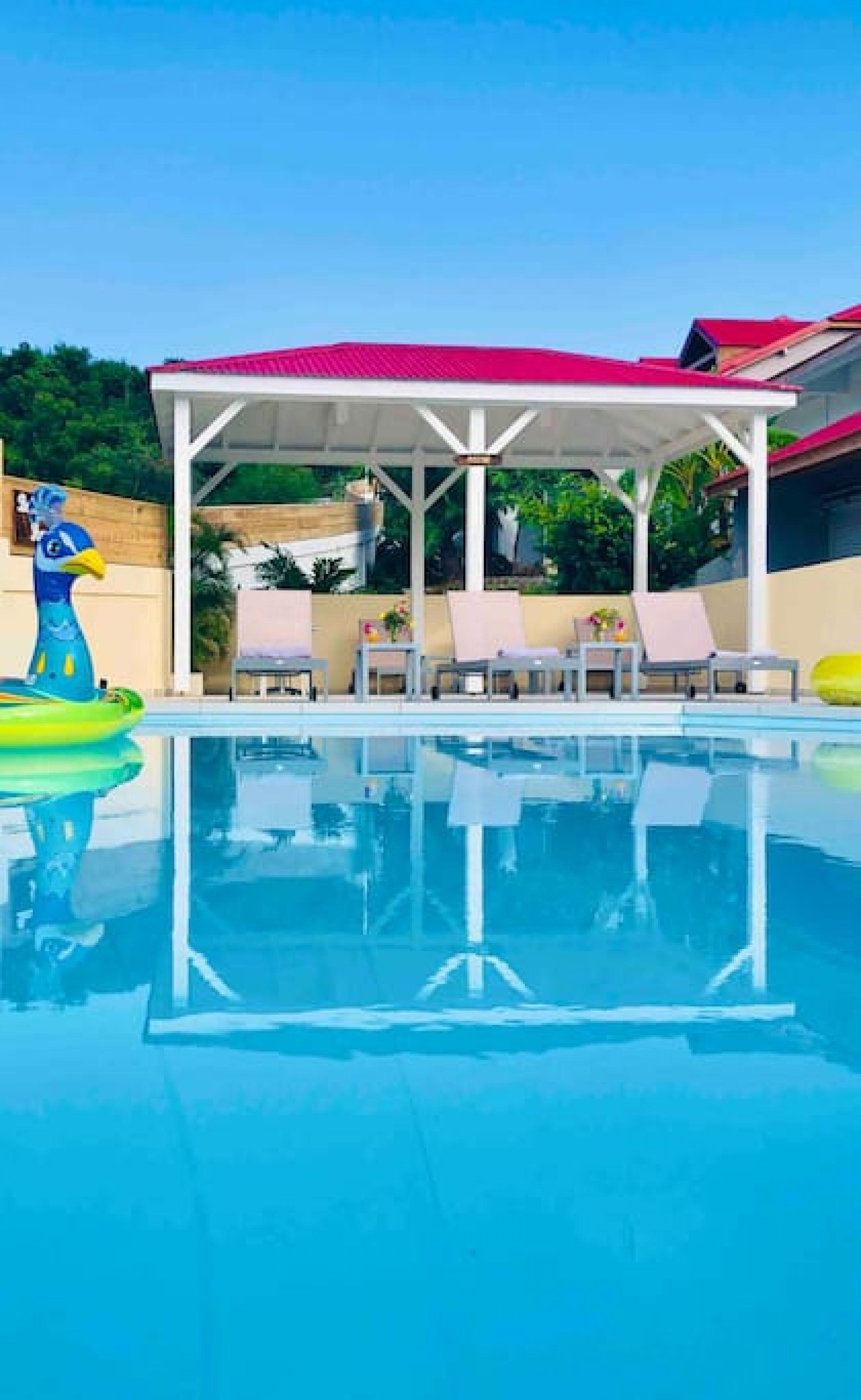 Belle suite S7 à 300m de la mer avec piscine à Cul de sac, Wifi haut débit