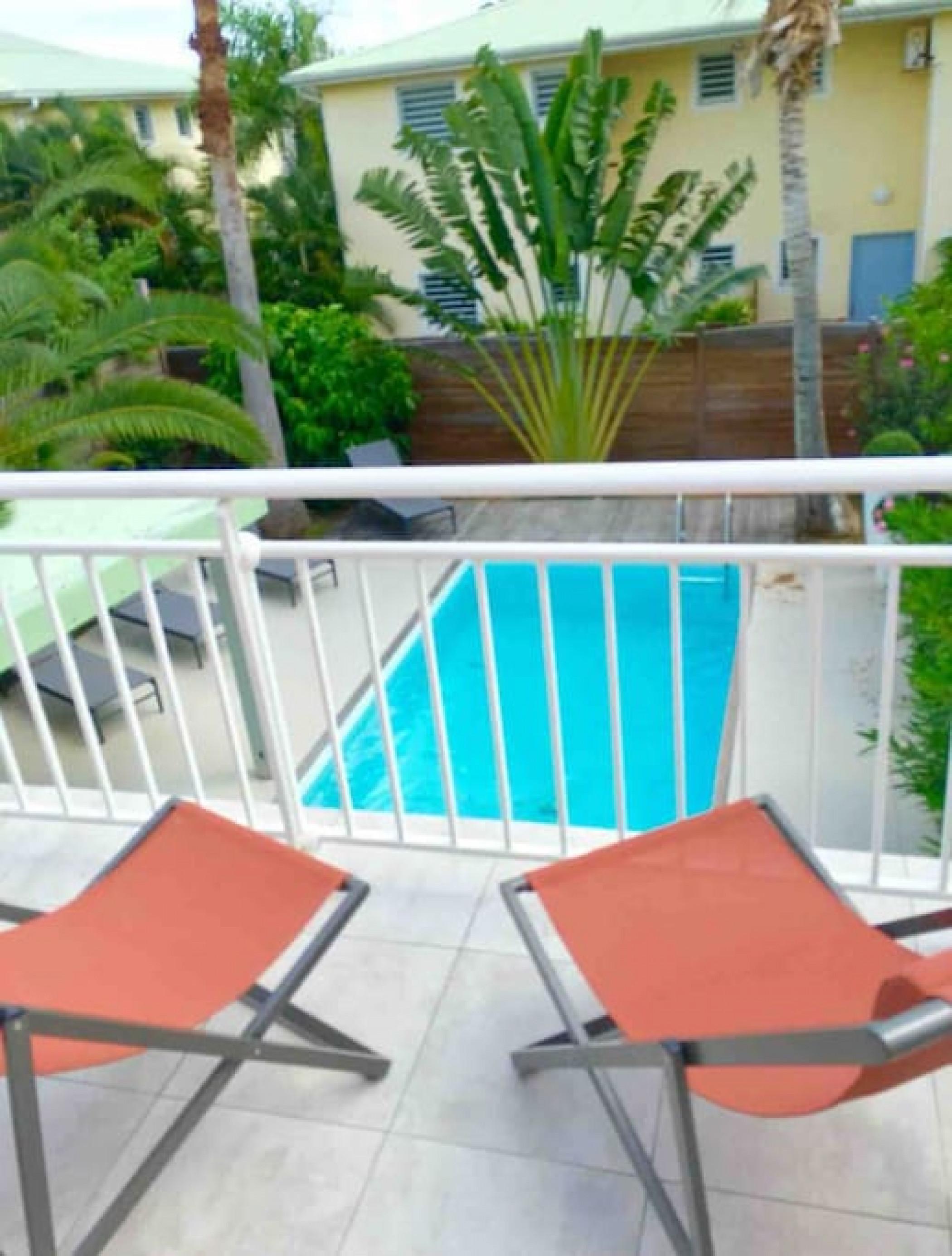 Magellan, spacieuse villa avec piscine piscine privée à 2 min à pied de la plage d'Orient Bay