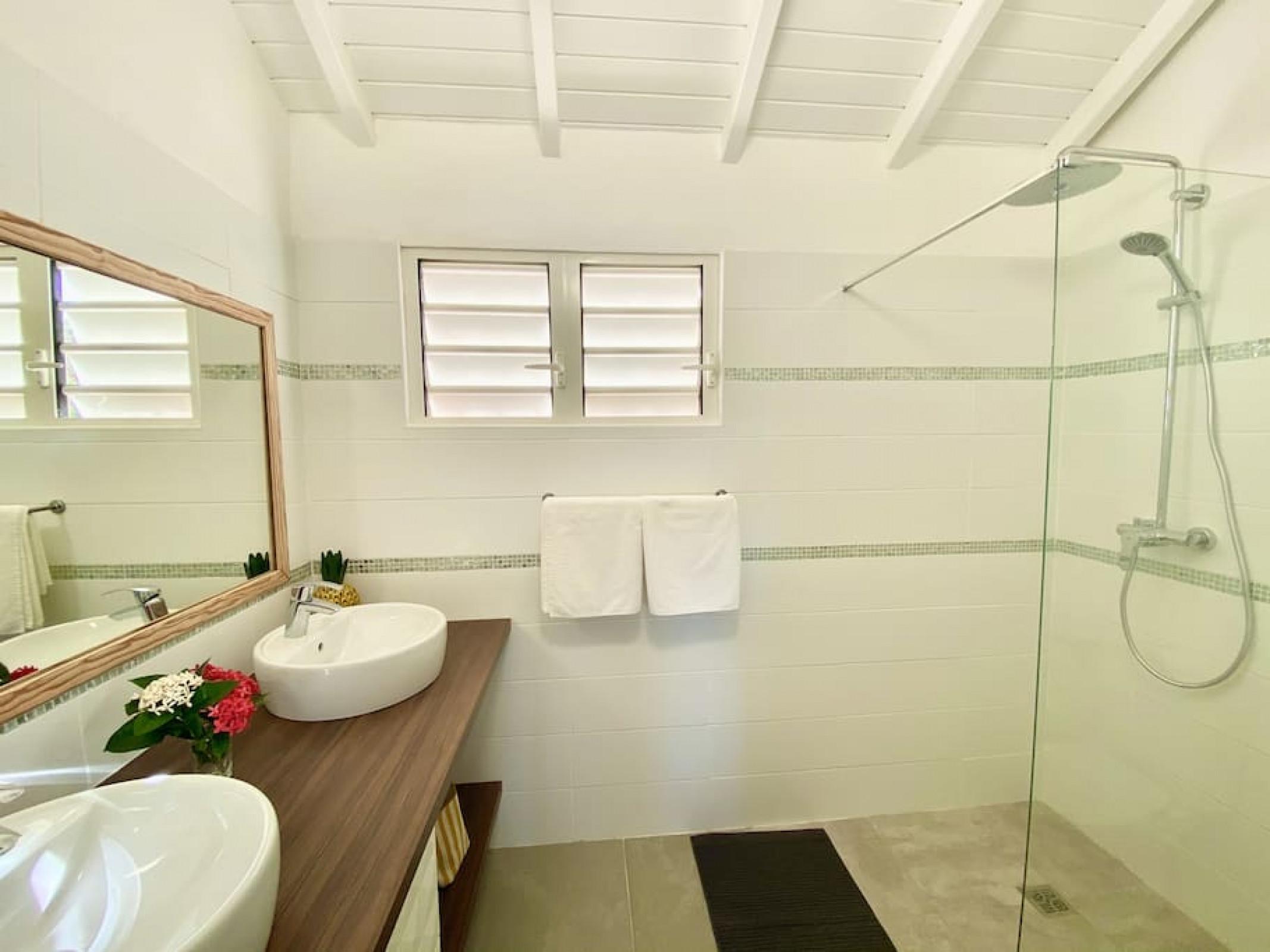 Belle suite S19, vue mer, piscine, wifi haut débit