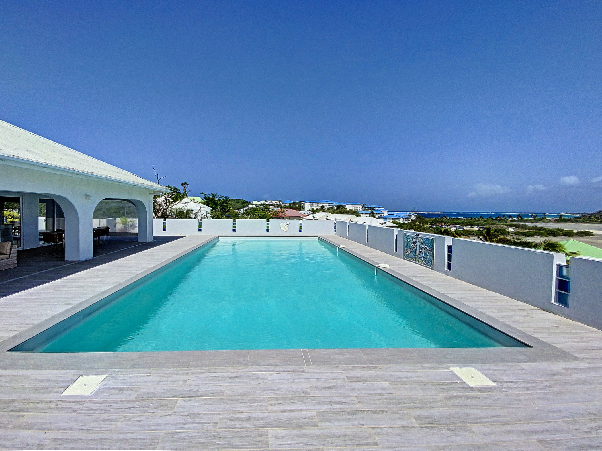 Villa Atypik, Orient bay walkable with super sized private pool