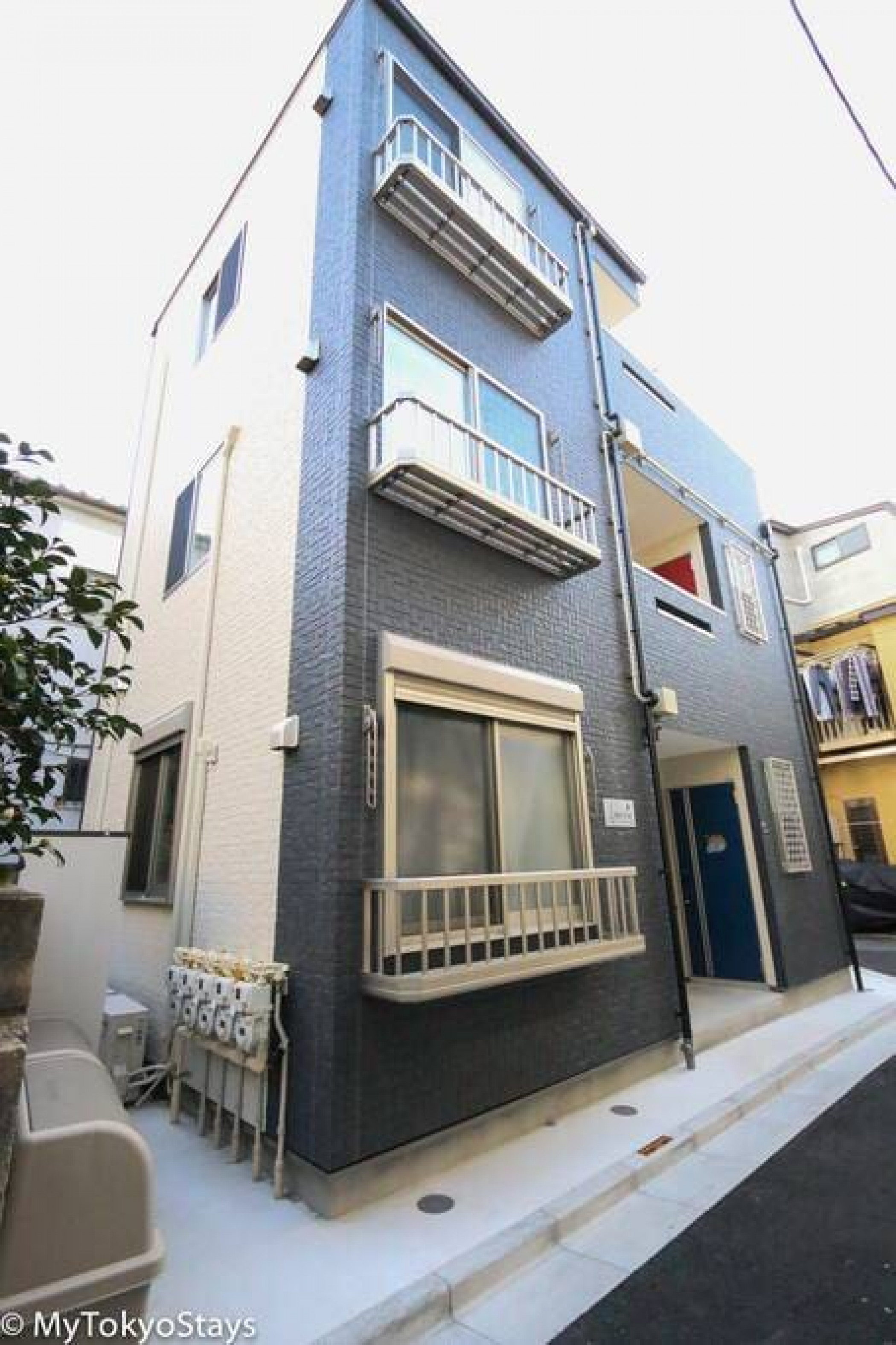 Bell Flat Unit #102 · Skytree & Asakusa Easy Access Bell Flat Inn #2