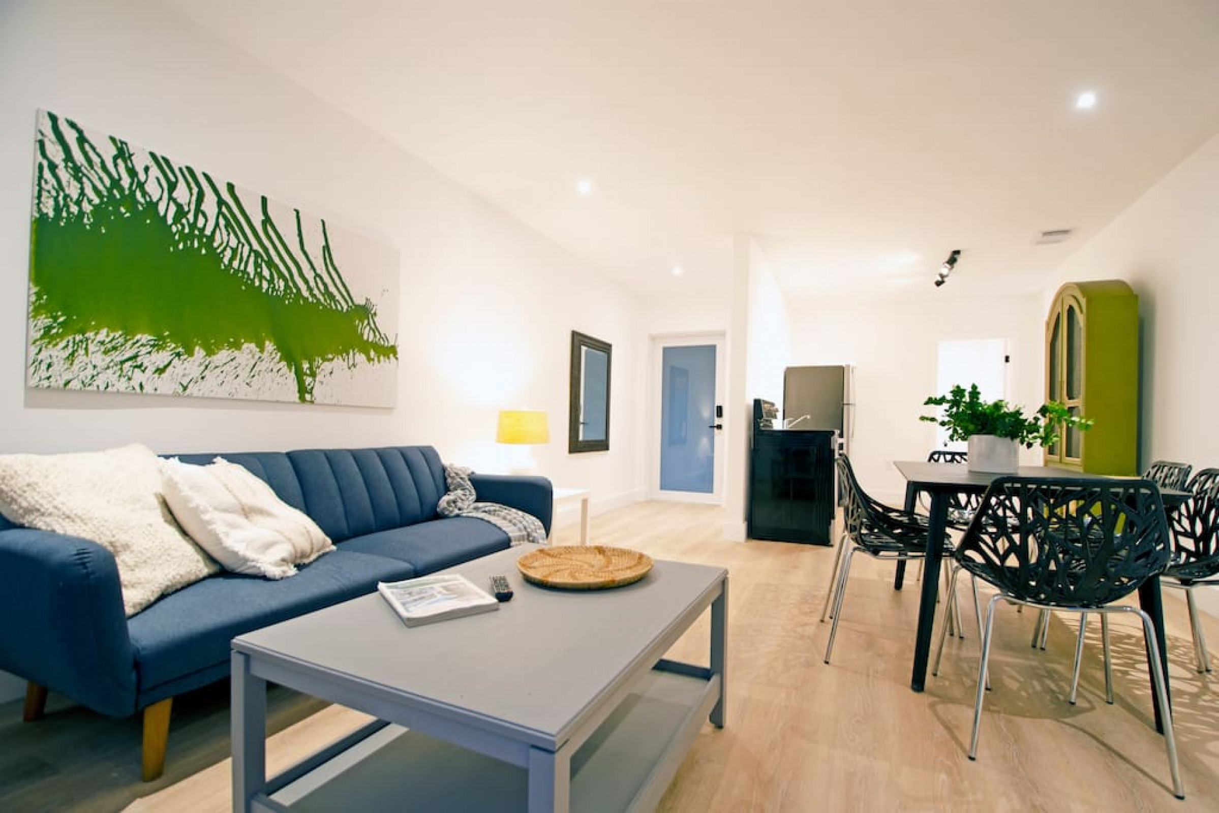 CASA CANAL - 3 · Chic apartment beside canal and near the beach