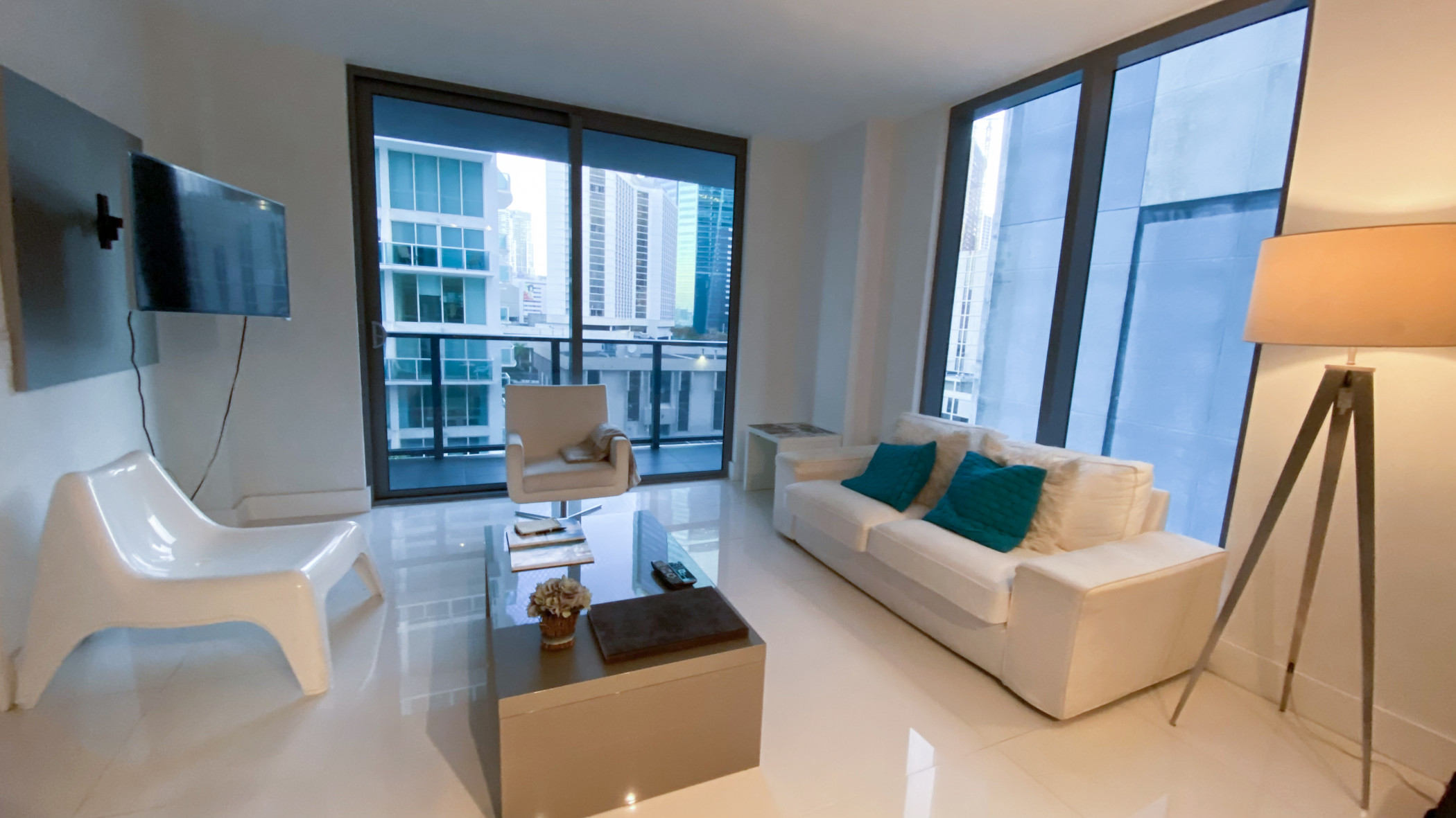 Brickell Center - Beautiful 2 bed 2 bath apartment