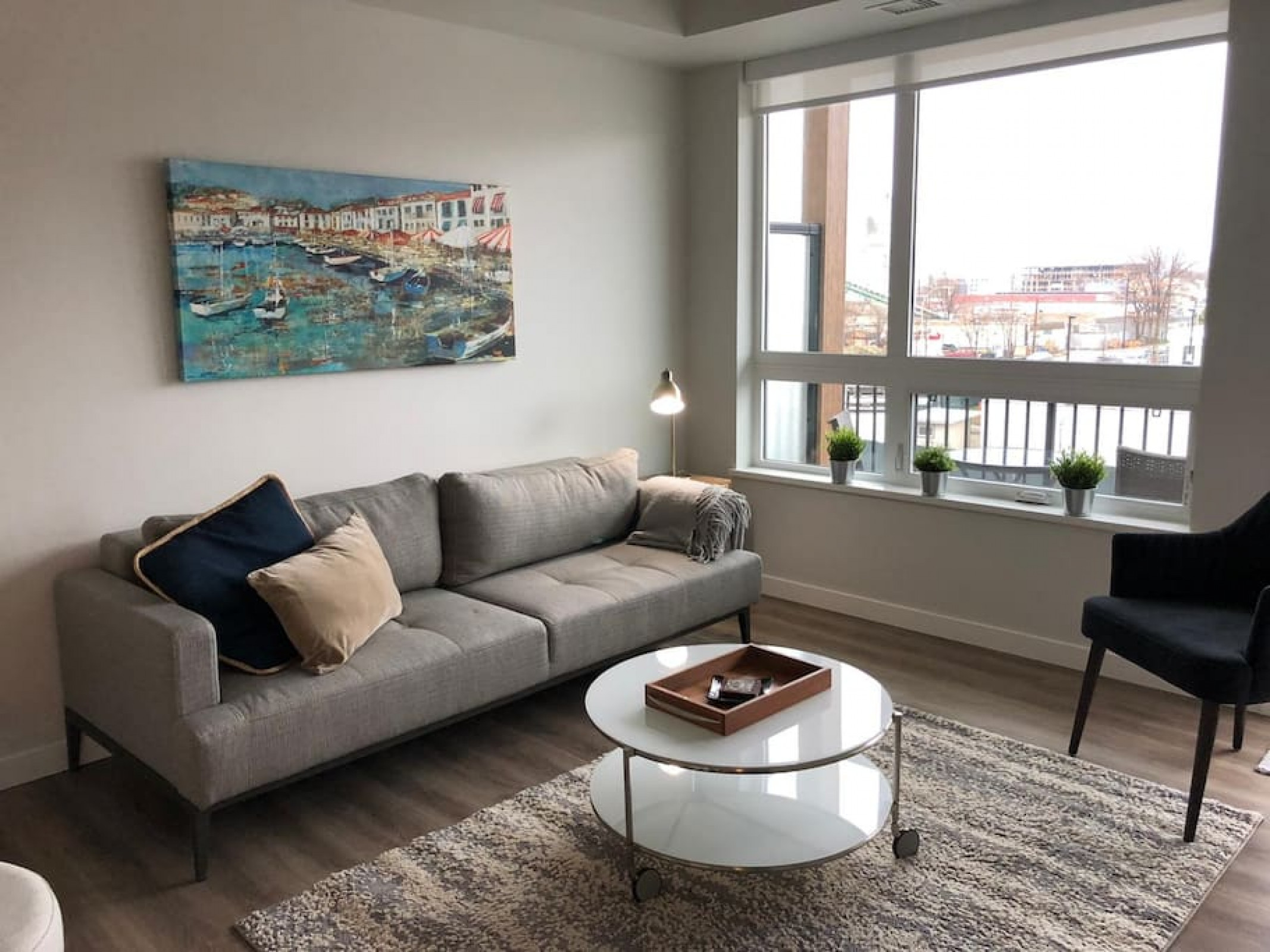 The Rosé | Modern 2 Bed in Downtown Near The Beach