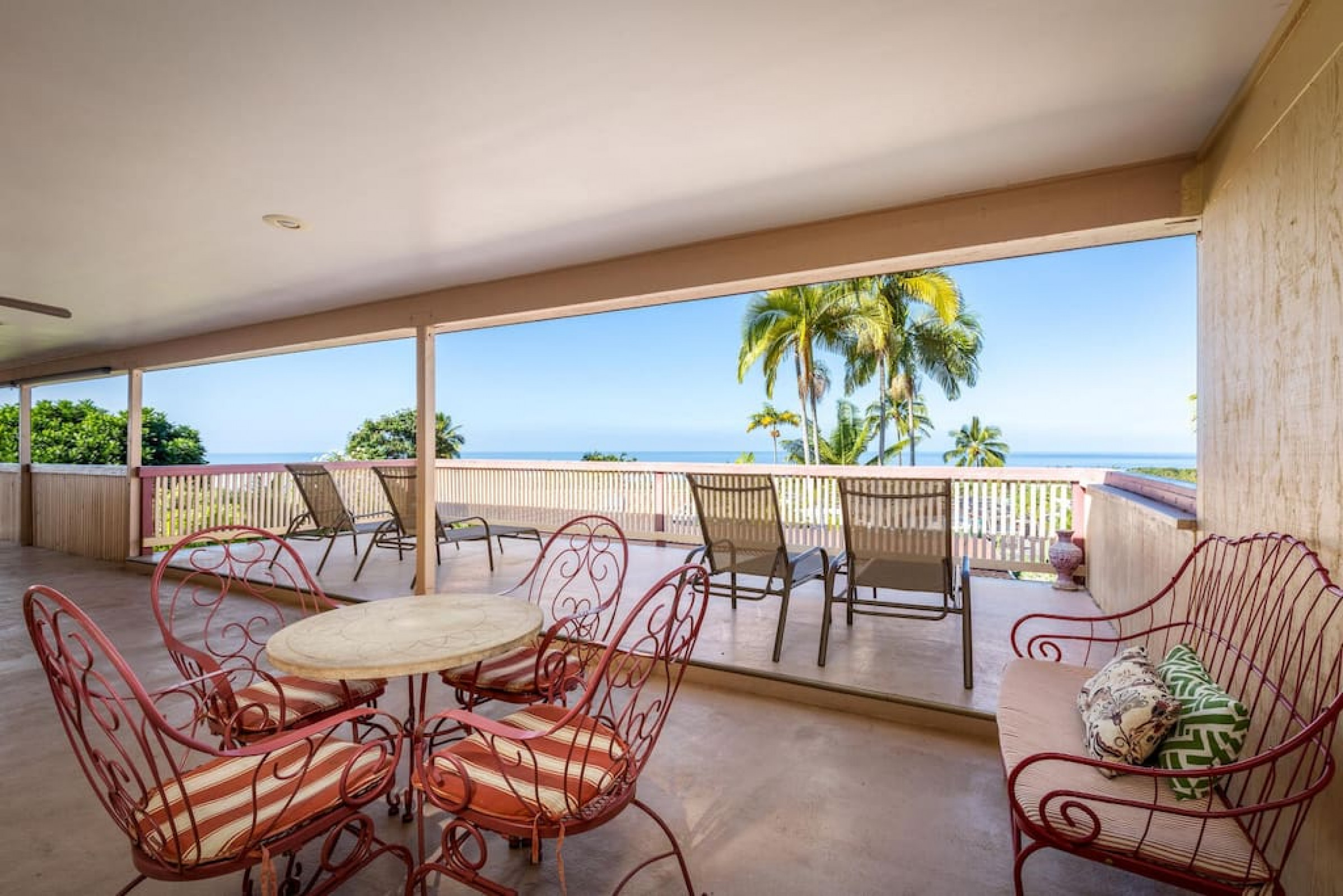 Large multi-family home with panoramic ocean views!